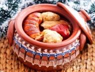 Рецепта Вкусна коледна капама със зелеви сарми, свинско, ориз и наденица
